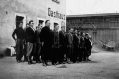 V roce 1938 se v pohraničí cvičily polovojenské oddíly později vyzbrojené z Německa. O dobrovolníky nebyla nikde nouze.