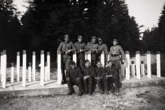 Proti útoku německé armády byly na většině míst vybudovány pevné zátarasy.
